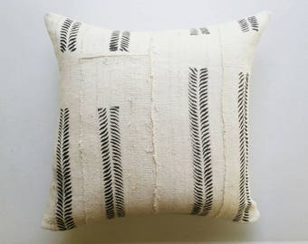 White and Black Mudcloth Pillow Cover - Modern Tribal Pillows - African Textiles - Earthy Boho