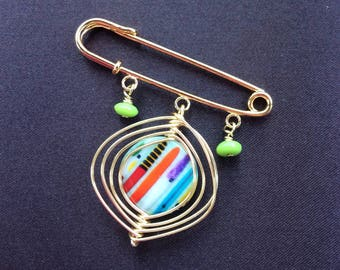 Safety Pin / Gold Plated Safety Pin with Colorful Glass Beads / Shawl Pin / Gold Brooch / Wire Wrapped Brooch / Gift For Her