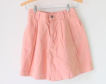 Vintage LIZ WEAR 80s Shorts...grunge. hipster. retro.  jean shorts. hippie. mc hammer. 80s. 90s. designer. pink. womens. designer jeans. rad
