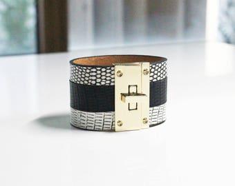 W Lizard Square Buckle Bold Bracelet(White)