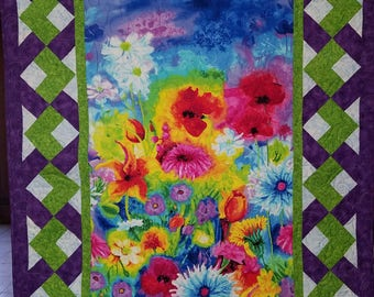 Modern Floral Quilted Wall Hanging or Throw with Basket Weave Border