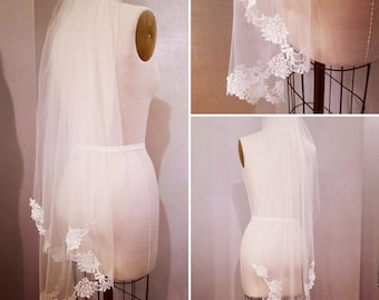 Fingertip light Ivory Lace Veil