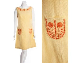 60s sleeveless embroidered dress -- vintage yellow day dress -- summery jumper dress -- size large / xl