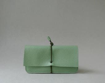 Wallet Medium - linden green leather & olive green elastic strap - by Marieke Jacobs
