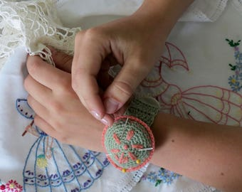 Crochet Pattern PDF for Pincushion in 2 Sizes for Necklace or Bracelet, Keep your Craft Pins and Needles Handy