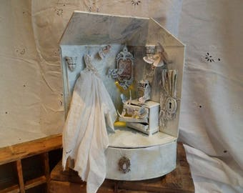 Assemblage miniature house Once Upon A Winters Time