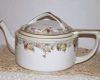 Antique Nippon Tea Pot with Lid Porcelain Hand Painted Gold Embellishments Collectible Excellent Condition Teapot Collector Tea Aficionado