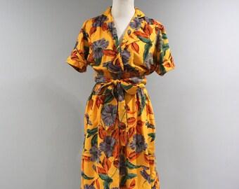 Vintage Dress Womens Size 8 10 Floral Short Sleeve Collared Golden 70s