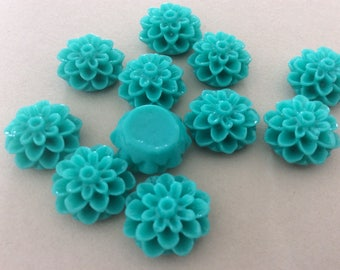 15 Turquoise Chrysanthemum Cabochons Mums Flowers Resin Cabochon Cameos 15mm