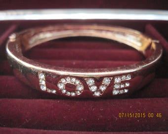 Vintage CLASSY Rose Gold & Crystal Inlaid LOVE Clamper Hinged Statement Bracelet....#8119