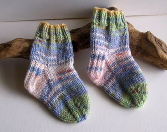 Unisex. Blue white and green hand knitted self patterning baby girls or boys socks. 9 to 18 months. UK 3  EU 19  US 3.5