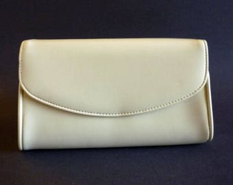 Vintage Cream Colored Vinyl Clutch Purse with Removable Strap