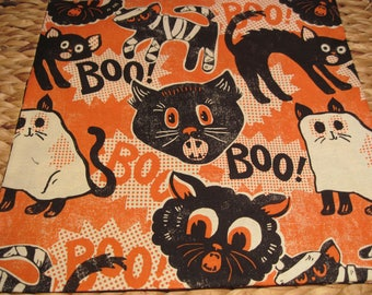 """14"""" x 14"""" PILLOW COVER - Halloween Hissing Black Cats in Costumes that say BOO"""