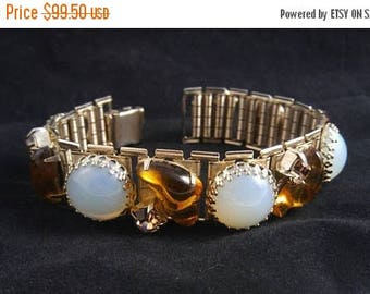 On Sale Vintage Topaz Art Glass Opal Chunky Bracelet Juliana EXQUISITE 50 60s D & E Delizza Elster Jewelry Rhinestone Hollywood Regency