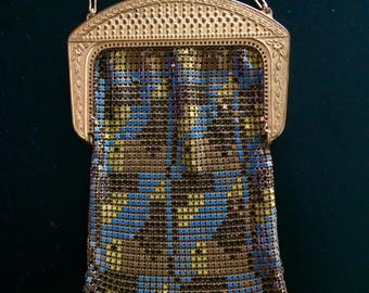 Rare Whiting and Davis Enamel Mesh 1920s Art Deco Handbag with Nautical Motif - Fish and Underwater Bubbles Frame in Gold