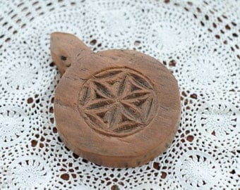 Vintage Indian Wooden Paperweight - Wooden Carved Paperweight