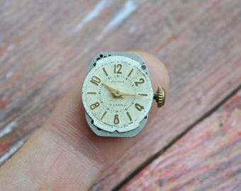 LIRA 0.6 inch Vintage wrist watch movement for parts.