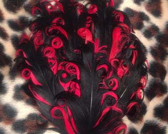 Red and black Nagorie curly feather pad
