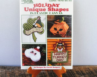 Holiday Unique Shapes in Plastic Canvas Leisure Arts Designs by Carole Rodgers