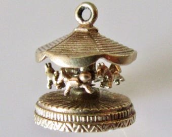 Gold Horse Carousel Charm Moves