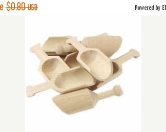 SALE 15% Off Ends Sunday Mini Wooden Scoop, Buffet Candy Scoops, DIY Scoop,Wedding Favor Scoops,Bath Salt Scoop,Bridal Shower Scoop, Baby Sh