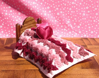 Dollhouse Hand Tufted Bedspread Miniature Single Bedspread Shades of Pink Miniature Bedspread Small Doll Bed Cover Blanket Dollhouse Bedding