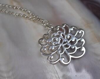 petite chrysanthemum flower sterling silver necklace, chrysanthemum flower necklace, lovely flower necklace