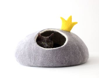 Cat bed PRINCESS felt cat cave cat bed with crown unique gift for pets stylish home decor cat cocoon wool cat bed small dog bed house