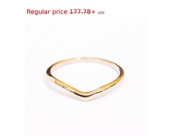 Summer Sale! delicate Gold Wedding Band, Dainty Gold Ring, V Wedding Ring, Thin Gold Ring, Delicate Gold Ring, Elegant Wedding Band
