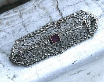 Vintage Filigree Amethyst Bar Pin/ Brooch in 14K White Gold.