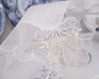 ANTIQUE LACE HANDKERCHIEF, square cotton and lace Bridal handkerchief, Something Old lace for bride, excellent condition