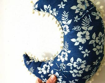 Moon cushion, nursery cushion, personalized, gift for kids, gift for newborns, housewarming gift, home decor, nursery decor, bedroom decor