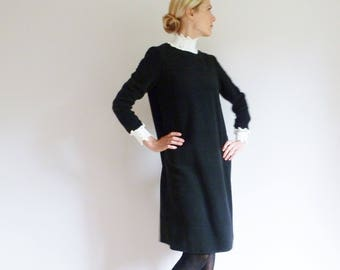 Woolen black dress with white crochet collar