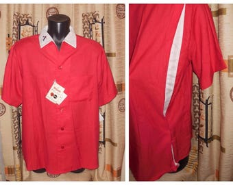 Unworn Vintage Bowling Shirt 1960s 70s Men's King Louie Bowling Shirt NWT Red White Back Vents Rayon Blend Rockabilly Greaser L chest to 46