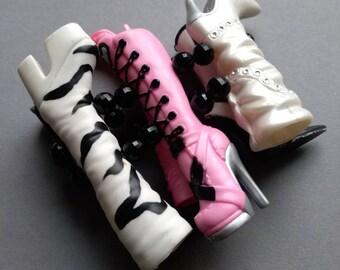 Vintage Barbie Boots Stretch Bracelet, fun bracelet, kitsch, Barbie boots, doll boots, OOAK, made in Greece