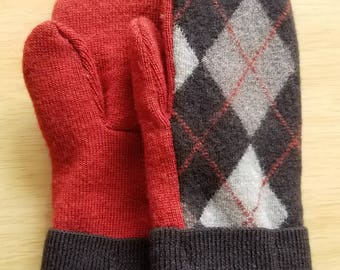 Wool mittens from upcycled sweater