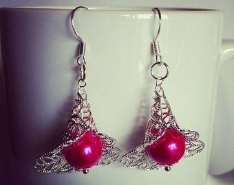 Earrings flowers fuchsia glass beads