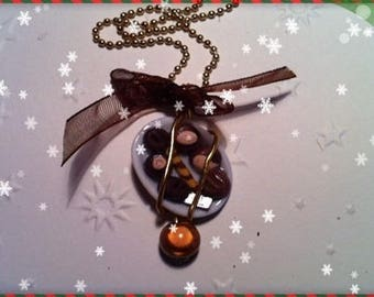 Chocolate Christmas ref 133 plate pendant necklace