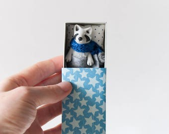 Raccoon toy in a starry blue matchbox art Tiny pocket poseable toy Animal miniature Gift pet for kids, BJD, YoSD, MSD, Pukifee, Blythe