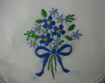 """Napkins, Embroidered Napkins,  Set of 10,  16 x 16 1/2"""", Extra Napkins, Buffet Napkins, UNUSED, Bouquets of Blue Flowers"""