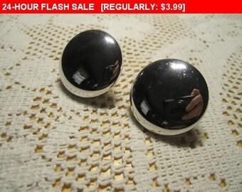 Vintage coro screw back earrings for craft or wear