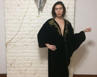 Vintage Victoria's Secret Black Velvet and Gold Bath/Lounge Robe
