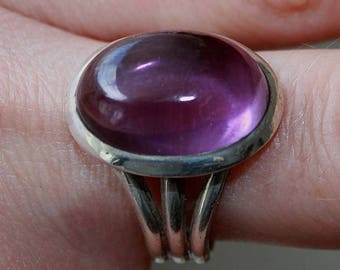 Ring Silver 925 and Amethyst oval cabochon