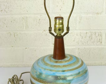 Martz - 1960's Jane and Gordon Martz Pottery and Walnut Lamp - Signed and With Studio Label