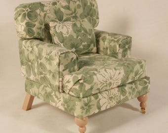 Miniature Accent Chair in 1:12 scale