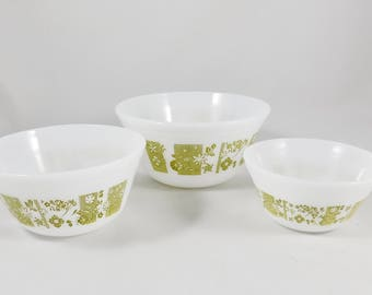 Small Mixing Bowl Set, 3 Nesting Milk Glass Mixing Bowls, Federal Glass, Avocado Design, 1 cup, 2 cup & 4 cup, Kitchen Bowls, 1970
