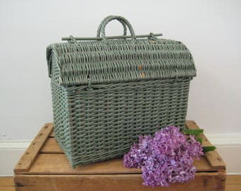 vintage wicker basket - woven rattan basket - handled basket - picnic basket - sewing basket - storage basket - farmhouse decor