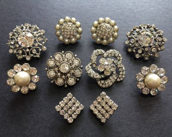 Pearls and rhinestone crystals buttons x 10