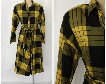 1980s Plaid Shirt Dress / Pocket Shirt Dress / Deadstock Swing Dress / Vintage Shirt Dress / Modest Day Dress / Black Yellow Plaid Dress M