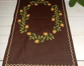 Swedish lovely hand embroidered runner   /   1970s /  vintage /rare/flowers